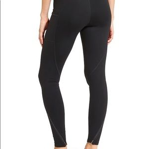 Athleta Chaturunga to Town Zipper Tight | Black